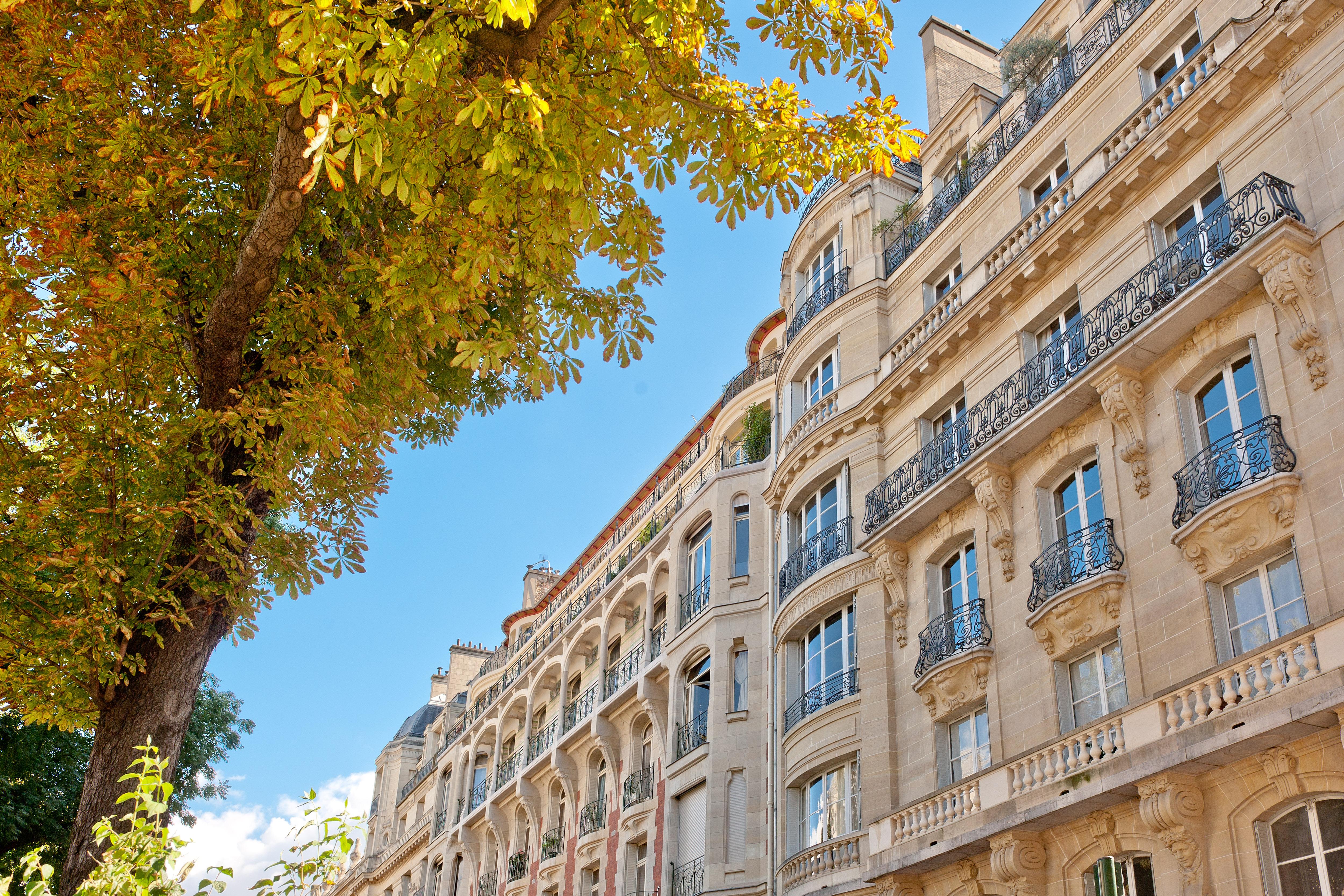 investir la bonne sant de l immobilier europ en immobilier prestige paris. Black Bedroom Furniture Sets. Home Design Ideas